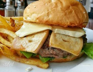 Foto - Makanan di The Goods Diner oleh Stanzazone