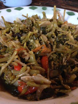 Foto 1 - Makanan(Tumis Bunga Pepaya) di Warung Tuman oleh awakmutukangmakan