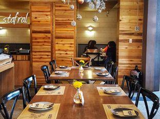 Foto 3 - Interior di Gioi Asian Bistro & Lounge oleh Stanzazone