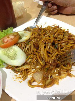 Foto 3 - Makanan(Mie Goreng Cumi) di Mie Aceh Bungong Cempaka oleh zizi