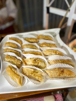 Foto review Pelangi Cafe - Ambhara Hotel oleh Yohanacandra (@kulinerkapandiet) 5