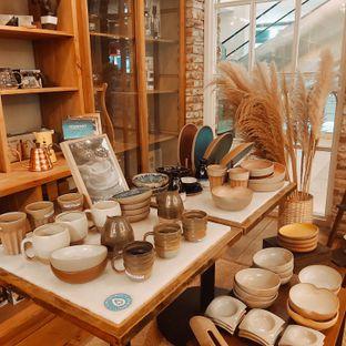 Foto 4 - Interior di Sajiva Coffee Company oleh Sopuwatunnisa