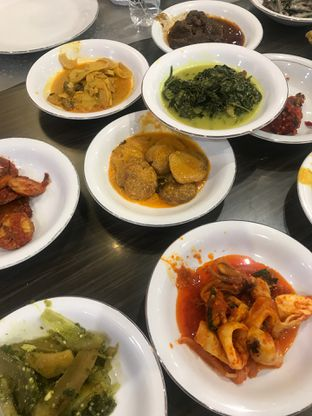 Foto 2 - Makanan di RM Pangeran Khas Minang oleh @stelmaris