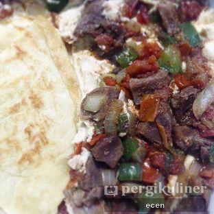 Foto 2 - Makanan(Mugalgal Kambing + Roti Humus (take Away)) di Restaurant Ayla & Shisa Cafe oleh @Ecen28
