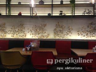 Foto 3 - Interior di Cafe MKK oleh a bogus foodie