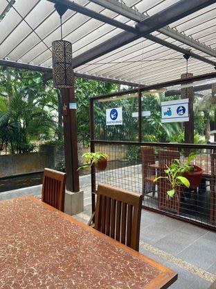 Foto 17 - Interior di Taman Santap Rumah Kayu oleh Jeljel