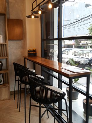 Foto 8 - Interior di Emji Coffee Bar oleh Stallone Tjia (@Stallonation)