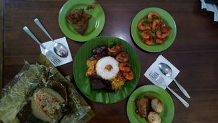 Foto 3 - Makanan di Warung Sego Maduro Suramadu oleh Yovita Windy