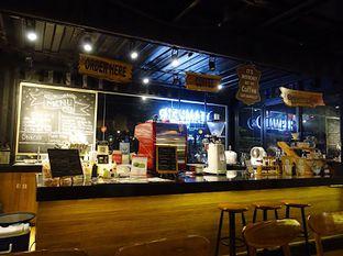 Foto 9 - Interior di Tamper Coffee oleh inggie @makandll