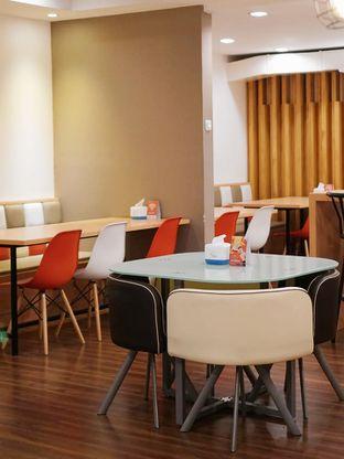 Foto 4 - Interior di Kojima Burger & Coffee oleh Huntandtreasure.id