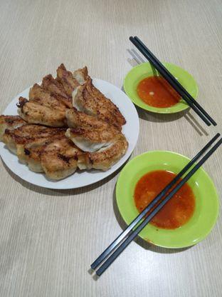 Foto 2 - Makanan di Santong Kuo Tieh & Sui Kiaw 68 oleh Fuji Fufyu