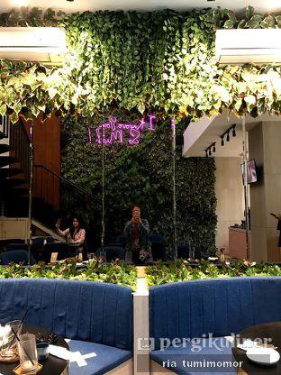 Foto 3 - Interior di Kavove Cafe oleh riamrt