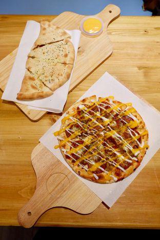 Foto 20 - Makanan di Monster Cheese Pizza oleh yudistira ishak abrar