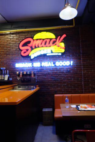 Foto 1 - Interior di Smack Burger oleh Dwi Kartika Bakti