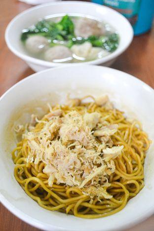 Foto - Makanan di Mie Baso Akung oleh IG: biteorbye (Nisa & Nadya)