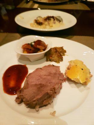 Foto 7 - Makanan di The Cafe - Hotel Mulia oleh ig: @andriselly