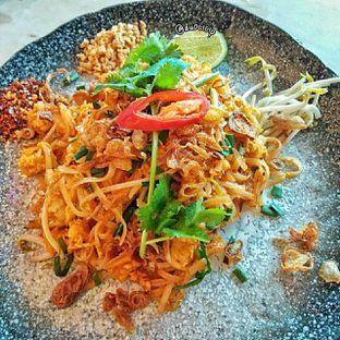 Foto 4 - Makanan(stir fried fried noodle) di Santhai oleh duocicip