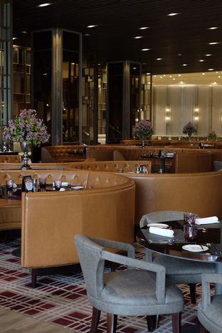 Foto 10 - Interior di Asia - The Ritz Carlton Mega Kuningan oleh Nanakoot