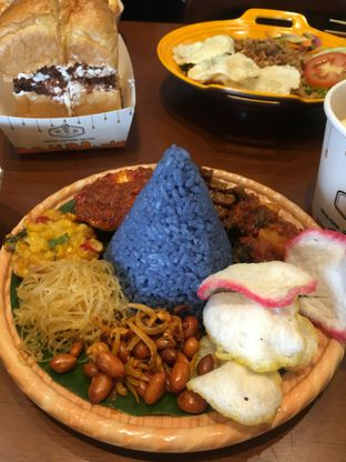 Foto 1 - Makanan di Warung Wakaka oleh RI 347 | Rihana & Ismail