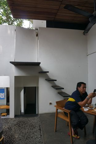 Foto 5 - Interior di Kopi Manyar oleh Elvira Sutanto