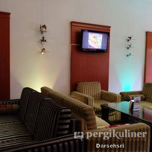 Foto 8 - Interior di Mid East Restaurant oleh Darsehsri Handayani