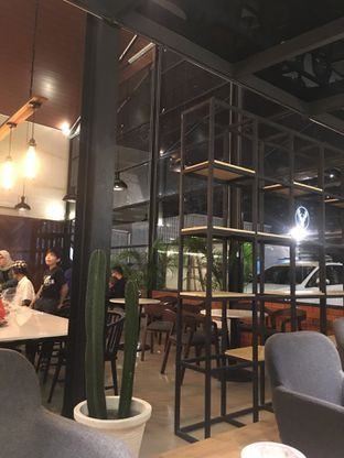 Foto 7 - Interior di Raindear Coffee & Kitchen oleh RI 347 | Rihana & Ismail