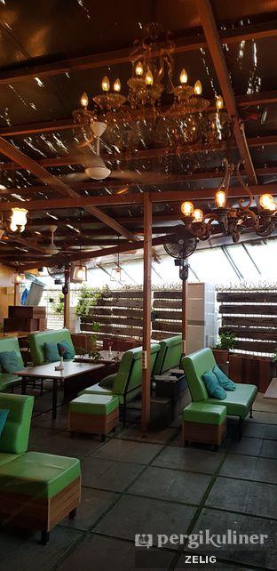 Foto 3 - Interior di Expatriate Restaurant oleh @teddyzelig