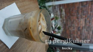 Foto 2 - Makanan(Ice Caffe Latte) di Common Grounds oleh Buchara Rubyandra