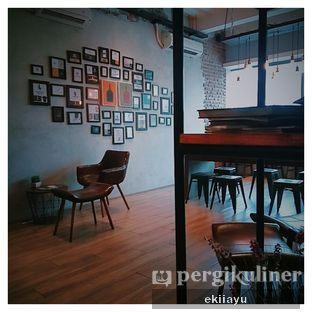 Foto 3 - Interior di Dancing Goat Coffee Co. oleh Eki Ayu || @eatmirer