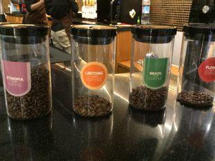 Foto 4 - Interior di Reneka Coffee oleh Elvira Sutanto