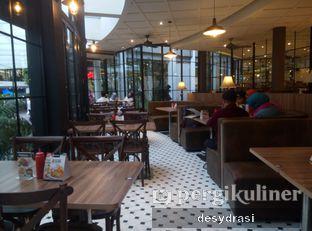 Foto 2 - Interior di Platinum oleh Makan Mulu