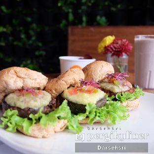 Foto 1 - Makanan di Burgreens Express oleh Darsehsri Handayani