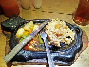 Foto 3 - Makanan di Kampoeng Steak oleh TLiyaP