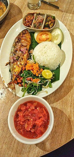 Foto 4 - Makanan(nasi ikan jimbaran) di Taliwang Bali oleh duocicip