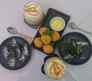 Foto 1 - Makanan di Tjarani Cafe oleh @qluvfood