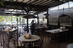 Foto 11 - Interior di Kedai Mie Dago oleh yudistira ishak abrar