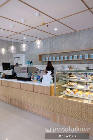 Foto 4 - Interior di Dailydose Coffee & Eatery oleh Darsehsri Handayani