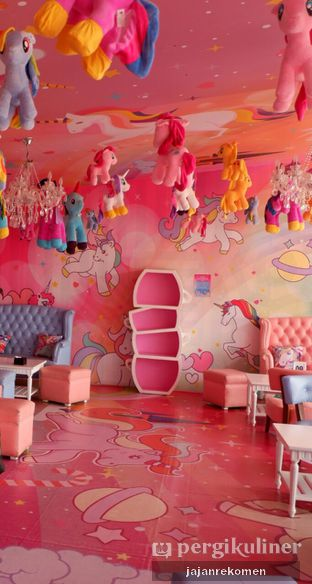Foto 3 - Interior di Miss Unicorn oleh Jajan Rekomen