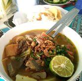 Foto soto mie + nasi di Soto Mie Pak Kumis