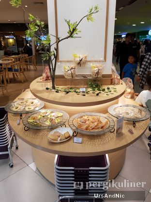 Foto 9 - Makanan di Chateraise oleh UrsAndNic