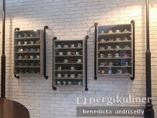 Foto 6 - Interior di Trafique Coffee oleh ig: @andriselly