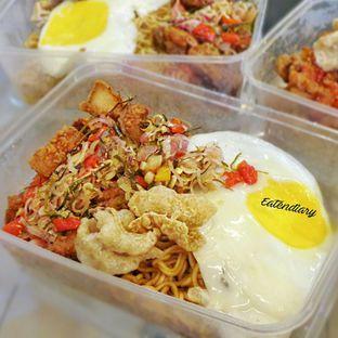 Foto - Makanan(Indomie Babi Sambal Matah) di Warbiku oleh @eatendiary