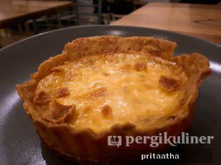 Foto 2 - Makanan(Quiche Smoked Beef) di Titik Koma Coffee oleh Prita Hayuning Dias
