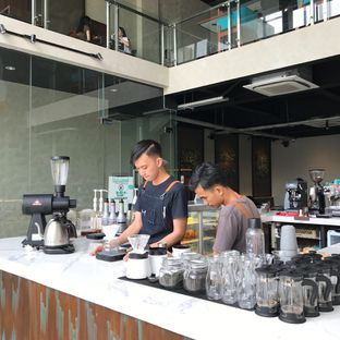 Foto 6 - Interior di Maketh Coffee & Eatery oleh Della Ayu