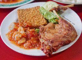 14 Tempat Makan Dekat ITB Bandung Paling Enak Buat Makan Siang & Kulineran
