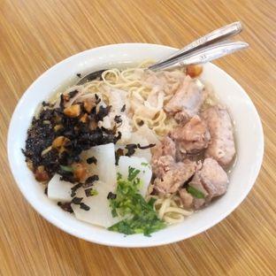 Foto 2 - Makanan di Soto Mie Bakut Sukabumi Ko Ricky oleh Chris Chan