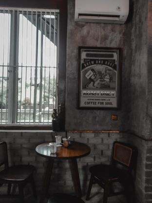 Foto 7 - Interior di Roast Coffee oleh deasy foodie