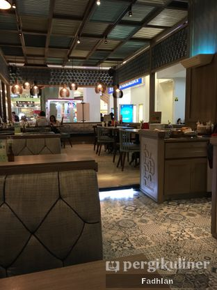 Foto 1 - Interior di Hong Kong Cafe oleh Muhammad Fadhlan (@jktfoodseeker)