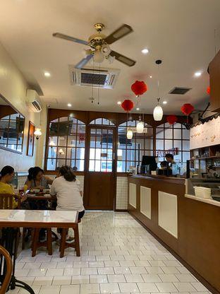 Foto 7 - Interior di Hang Tuah Kopi & Toastery oleh Jeljel