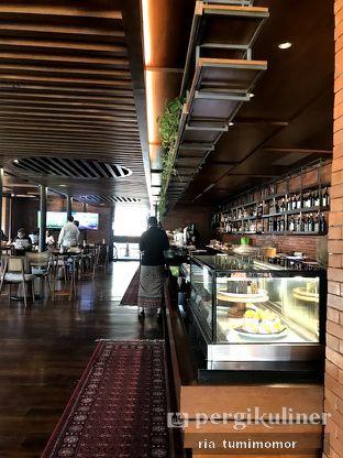 Foto 6 - Interior di Pidari Coffee Lounge oleh riamrt